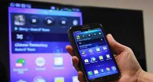 طريقة عرض شاشة الموبايل على التلفزيون لاسلكيآ وبدون كابلات وبالكابل